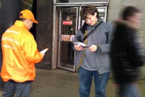Закон о раздаче листовок около метро