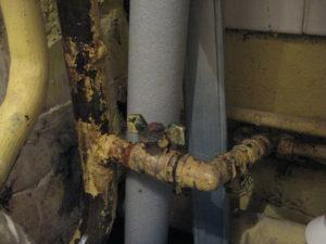 За чей счет меняются газовые краны и шланги в квартире
