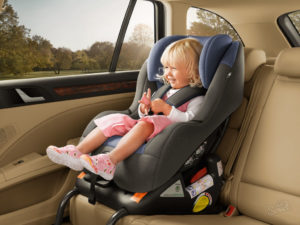 До какого возраста дети обязаны ездить в детском кресле