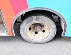 Штраф за лысую резину на автобусе